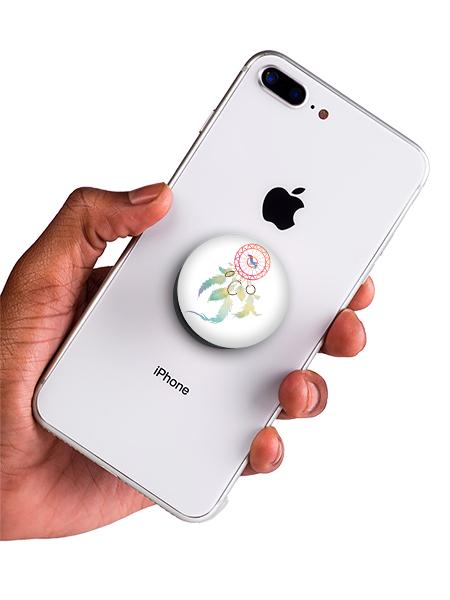 bílý popsocket s potiskem lapač snů náhled na telefonu